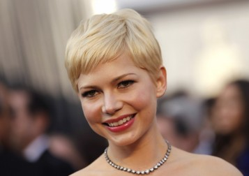 240184-oscars-2012-red-carpet-beauty