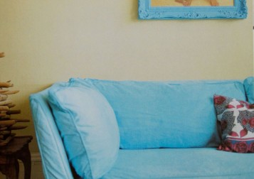 turquoisecouch1featured