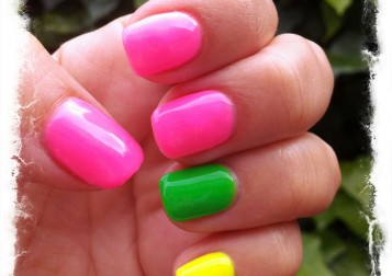 neonnailspinkgrnyel