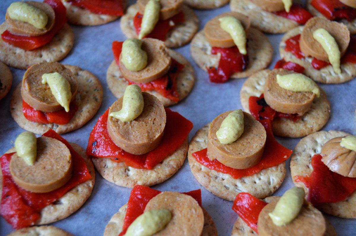 Mr kate no cook finger food vegan hot dog hor douevres at forumfinder Images