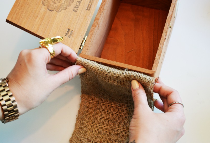 Mr Kate DIY cigar box and burlap jewelry organizer