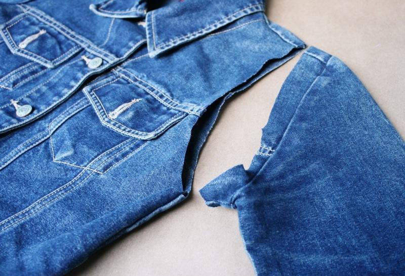 Как переделать джинсовую куртку в жилетку своими руками
