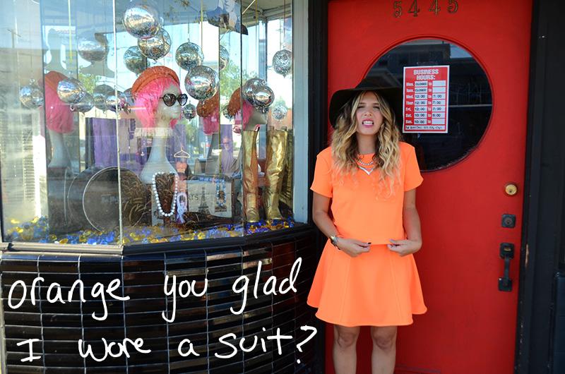mrkate_ootd_orange_skirt_suit-5text