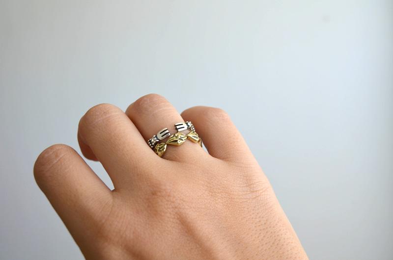 mrkate_styling-multiple-rings-11