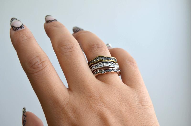 mrkate_styling-multiple-rings-13