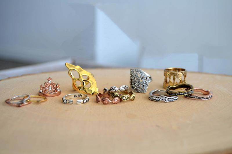 mrkate_styling-multiple-rings-2