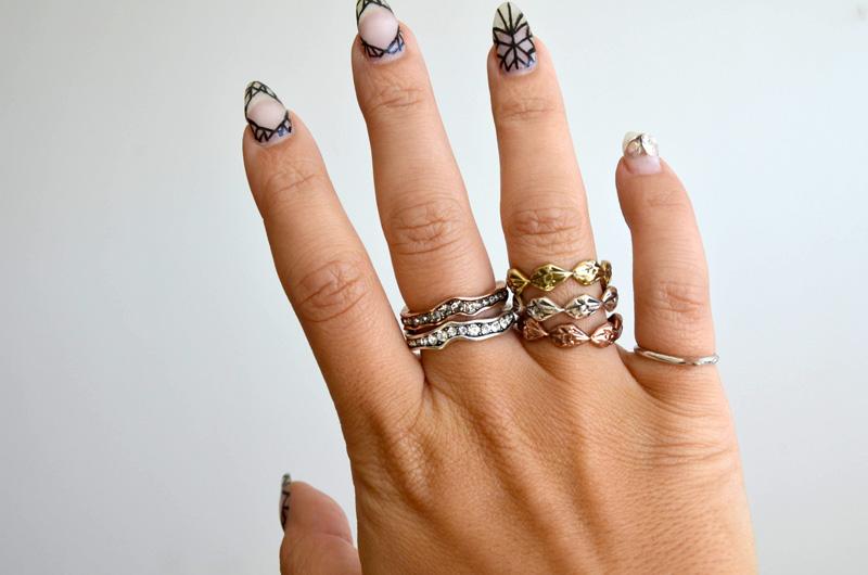 mrkate_styling-multiple-rings-22