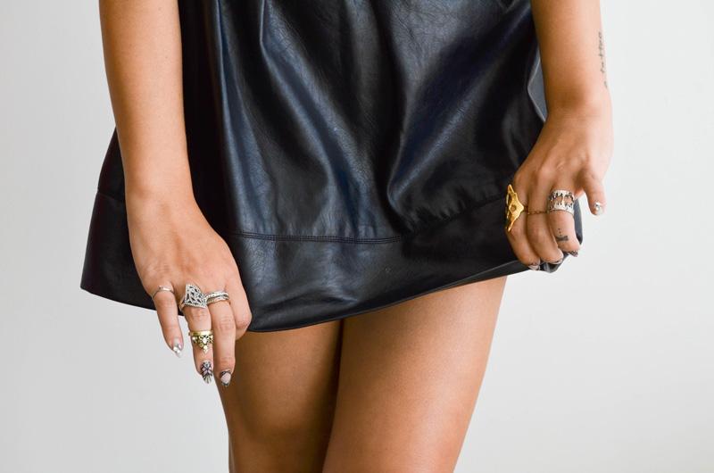 mrkate_styling-multiple-rings-25