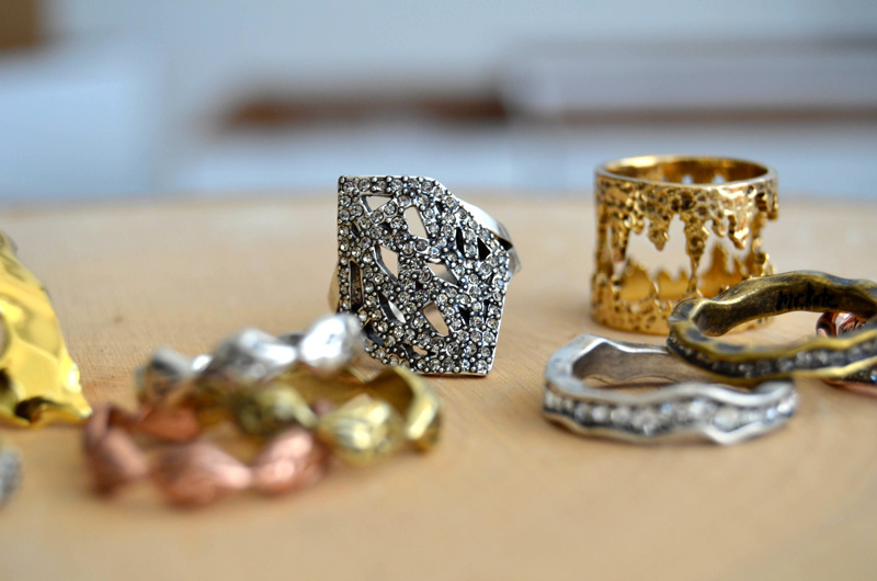 mrkate_styling-multiple-rings-3