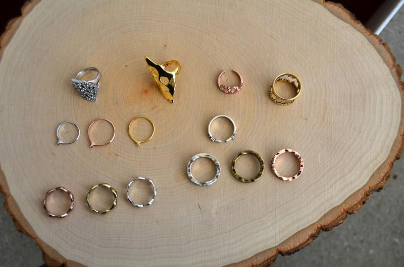 mrkate_styling-multiple-rings-4