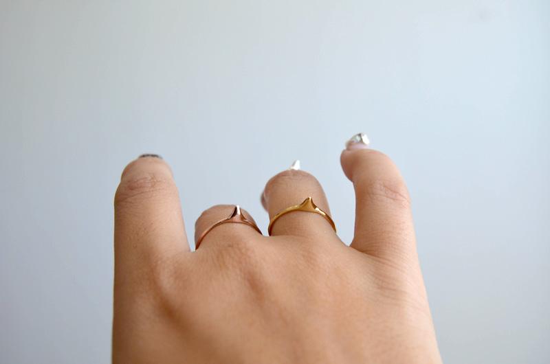 mrkate_styling-multiple-rings-9