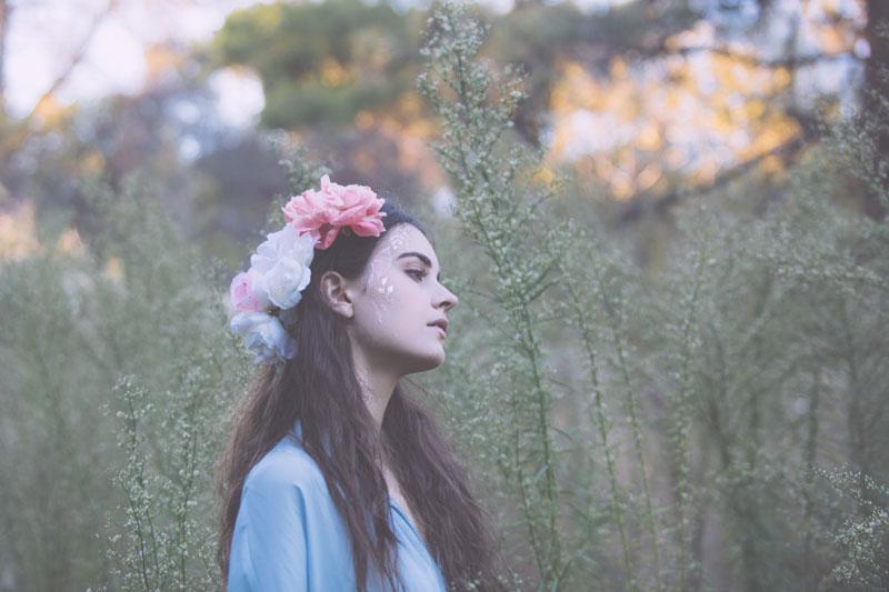 MrKate-BeautyMarks-RosesAreGold-04-HI