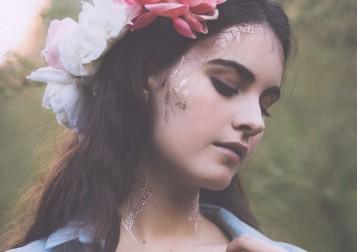 MrKate-BeautyMarks-RosesAreGold-06-HI-682x1024-1