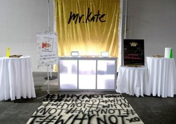 MrKate_DIY_goldglitterbackdrop-14