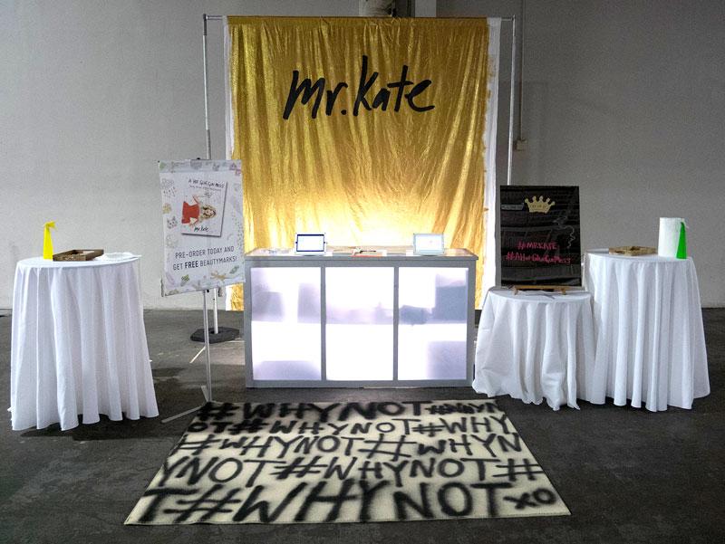 MrKate_DIY_goldglitterbackdrop-15