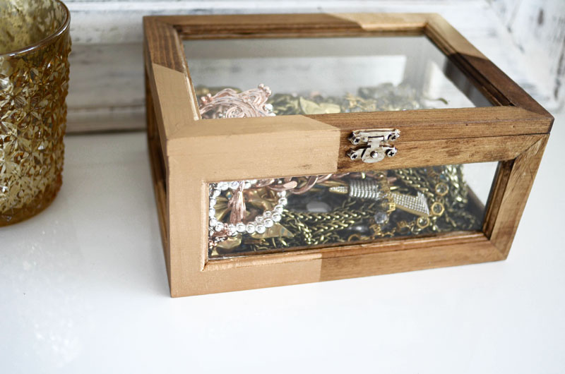 MrKate_DIY_GoldAndWoodJewelryBox-16