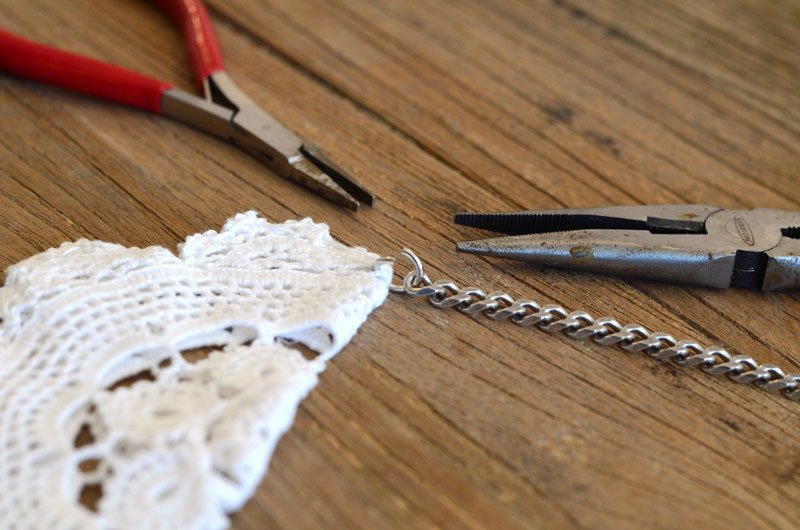 MrKate_DIY_LaceCollarNecklace-11