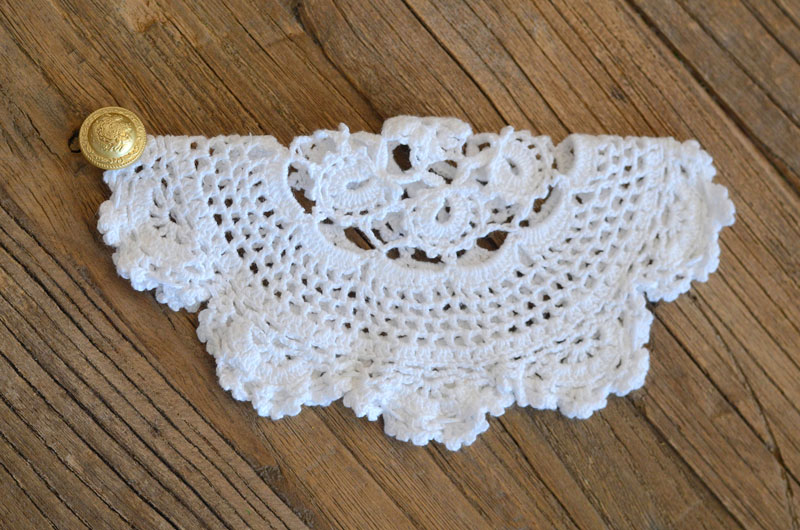 MrKate_DIY_LaceCollarNecklace-9