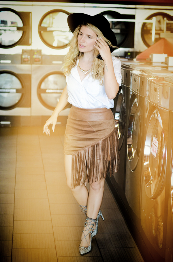 MrKate_OOTD_Laundromat&Fringe-2_cb