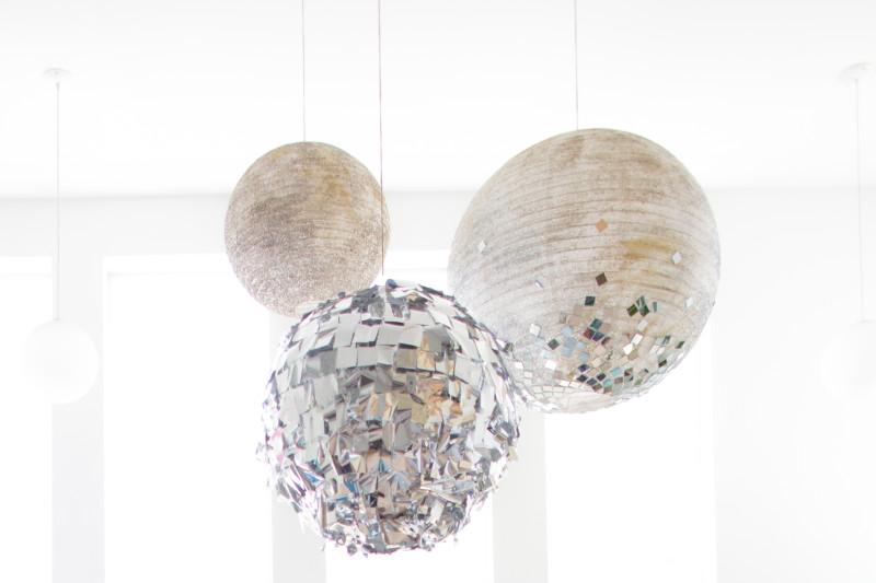 MRKATE_OMG_WACO_DIY_GlitterBalls (53 of 56)